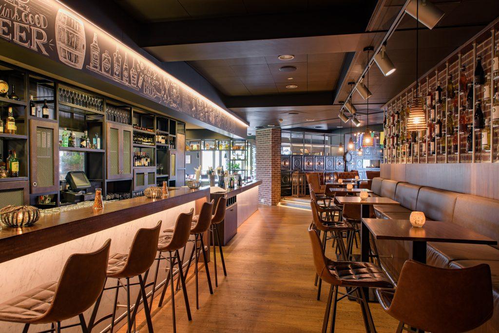 Hotelbar inrichting vintage industrieel midden prijssegment